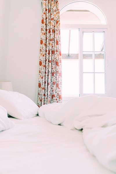 Pros and Cons of Having a Wall Bed